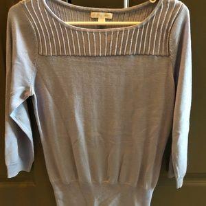 Light-weight sweater